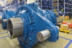 Großfrästeil für den Maschinenbau auf speziellen Maschinen für die Großteilebearbeitung hergestellt