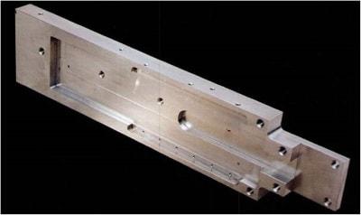 Präzisionsfräsen für High-tech Teile von der Doussier GmbH