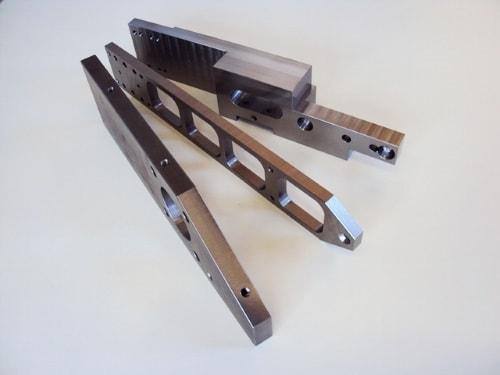 Stahlfrästeile von CM Feinwerktechnik aus Bayern