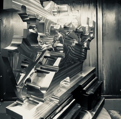 5-Achsen-Fräsen bei der MTC GmbH