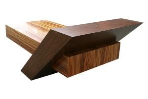Gefräste Holzverbindung aus Edelholz für die Möbelindustrie