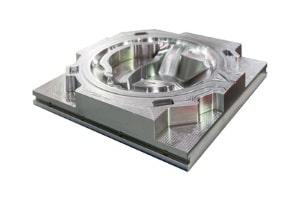 Hier sehen Sie eine Druckgussform aus Edelstahl, welche mit HSC-Fräsen gefertigt wurde